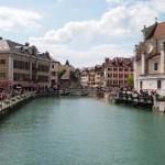 映画のようなフランスの町並み